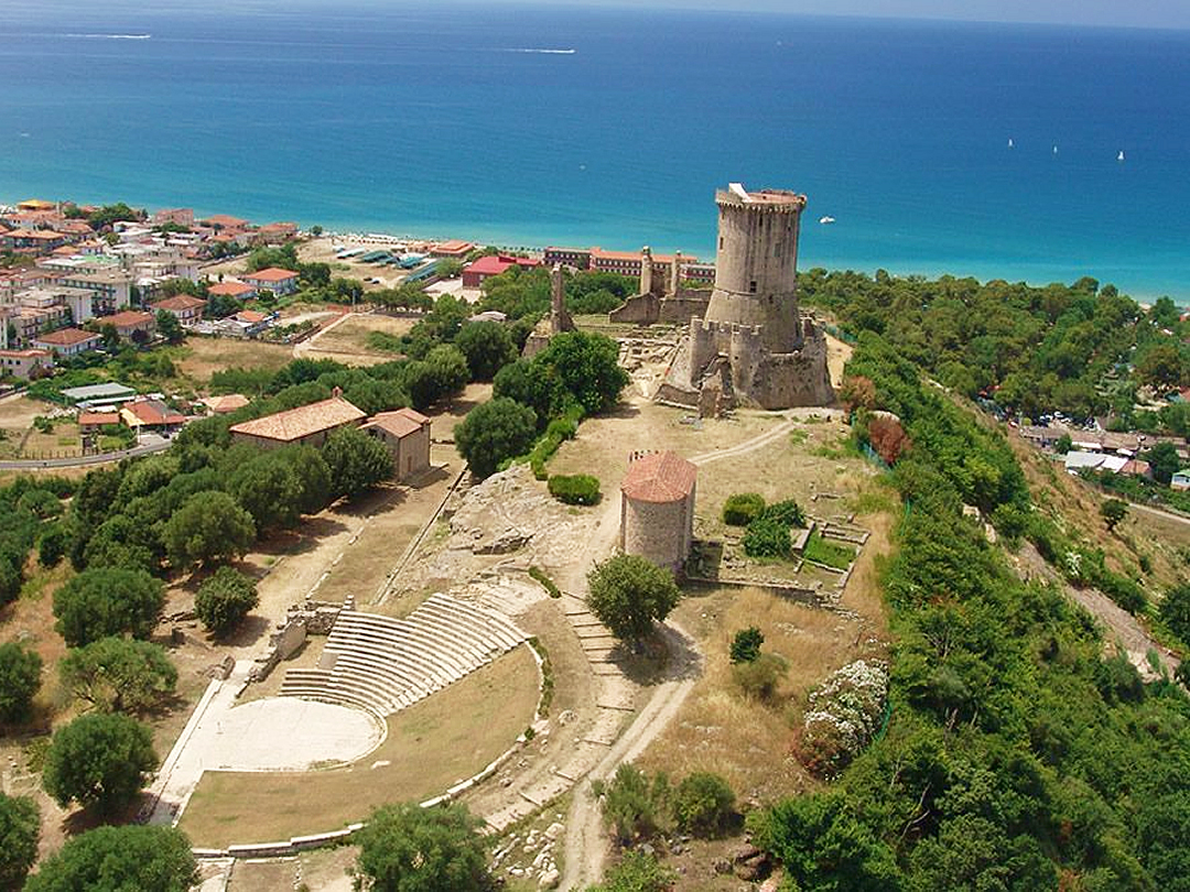 villaggio-le-palme-ascea-marina-breve-storia-della-citta-di-velia-001